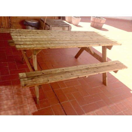 mesa de madera para exterior