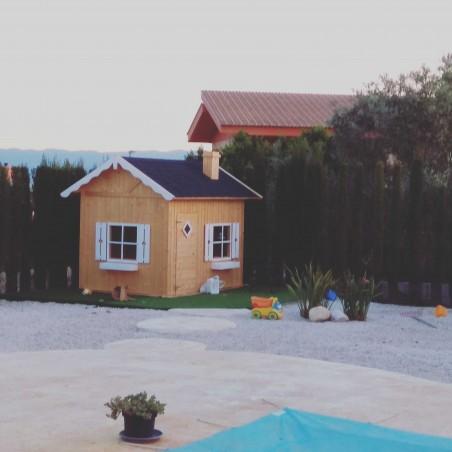 Casita de madera infantil Grete de Palmako - Instalada en el jardin