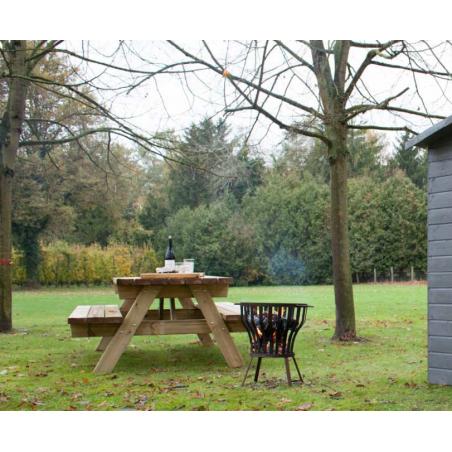 mesa de madera exterior