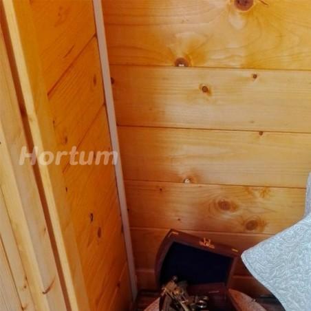 Detalle interior caseta de madera Latina