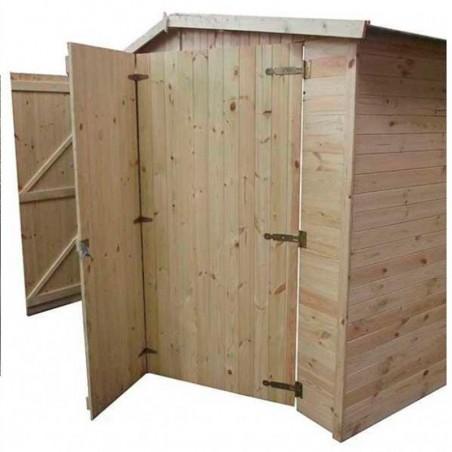 Detalle puerta de tres hojas Garaje de madera Mikhail II