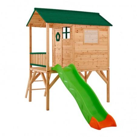 Casita de madera en altura para juegos, con tobogán