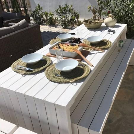 Mesa de madera para exterior, para terrazas. Máximo 10 comensales