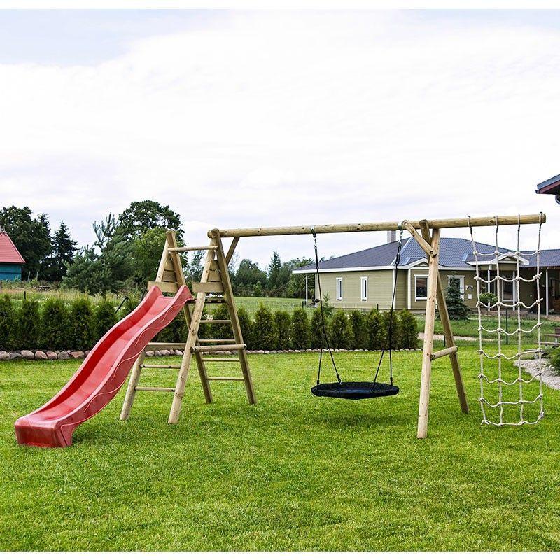 Parque de madera infantil con tobogán rojo, modelo Kalev