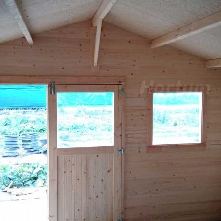 Interior caseta de madera 4x4m