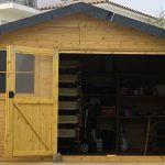 Puertas de una caseta de madera