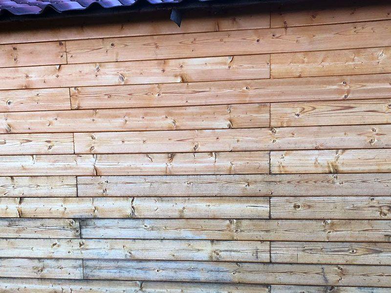 Marcas de humedad en la madera