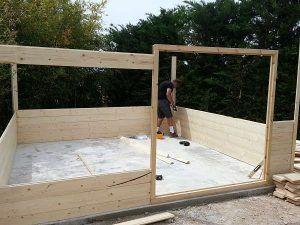Montaje caseta de madera sobre solera de hormigón