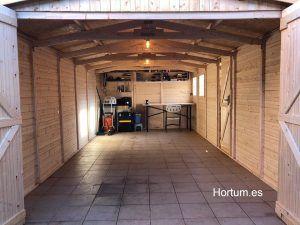 Interior del garaje Mikhail