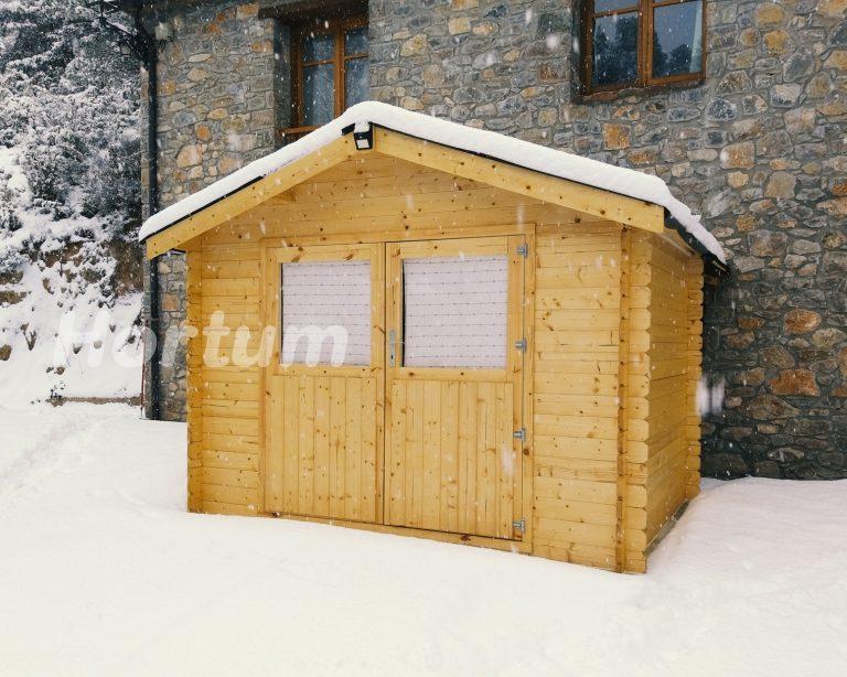 Caseta Ostro con nieve