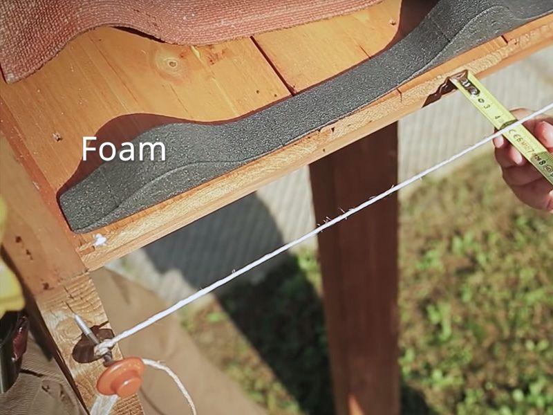 Instalar Foam debajo de las tejas en el techo