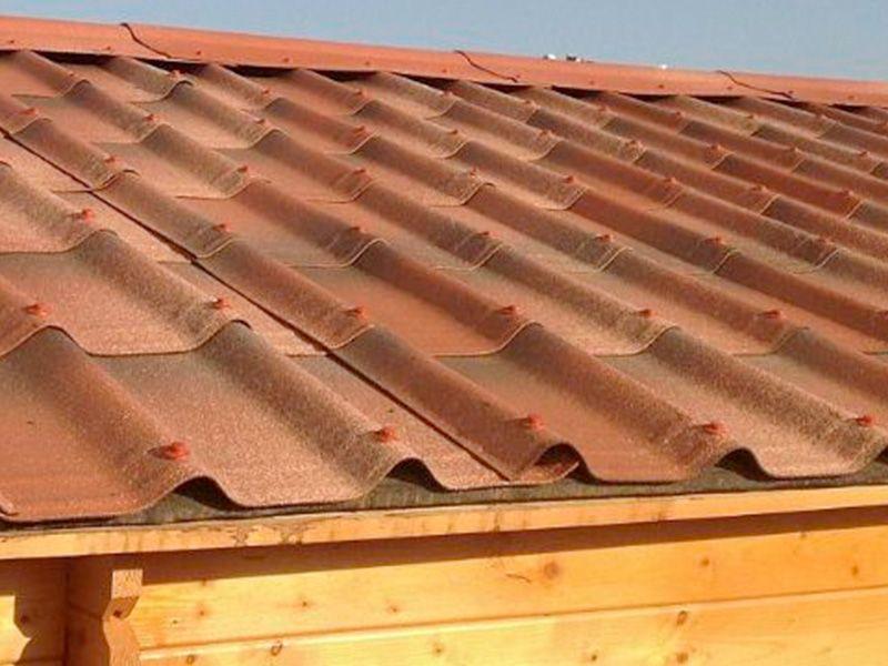 Cumbrera y tejas para casetas de madera