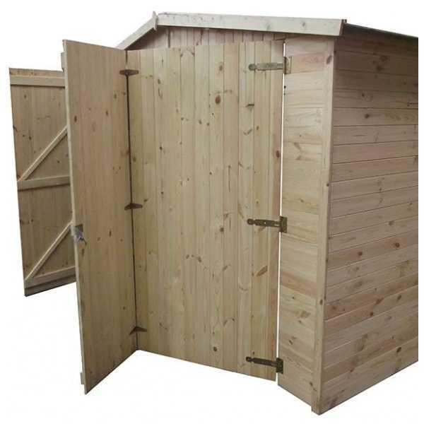Detalle triple puerta para garaje de madera Mikhail I