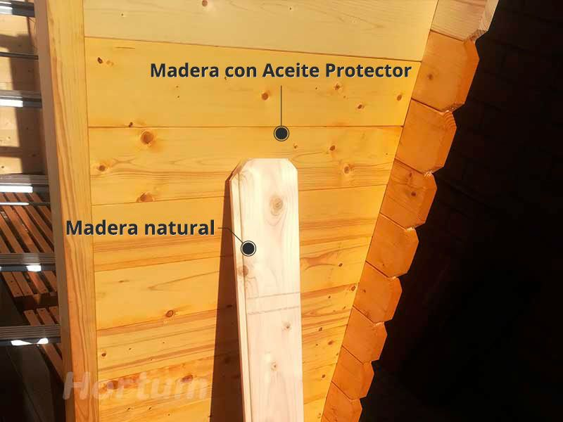 Caseta de madera tratada y natural