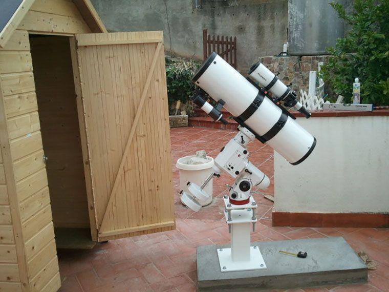 Guardar fácilmente telescopio fijo con caseta de madera