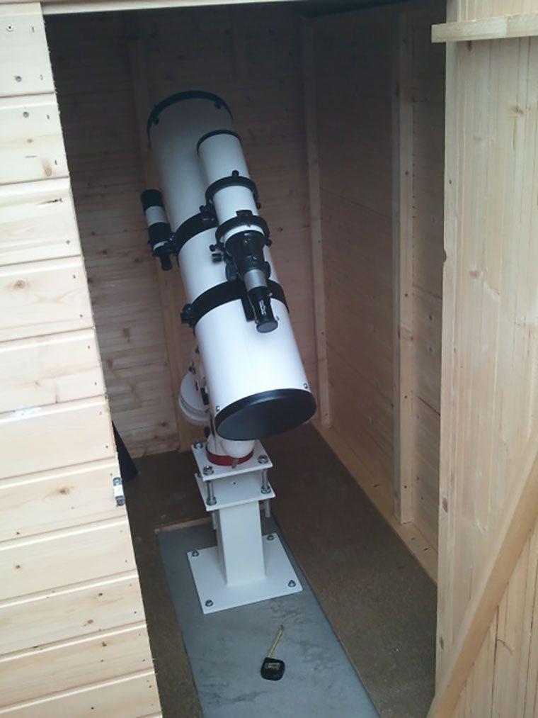 Cobertizo de madera para telescopio